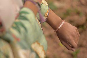 kimono zara bracelet tanned model