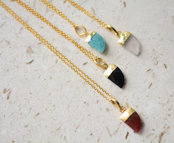 zasu-nakit-kristali-oniks-mala-amazonit-horn-necklace-quartz-ogrlice